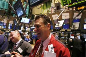 强劲非农数据刺激欧美股市大涨 标普逼近历史纪录