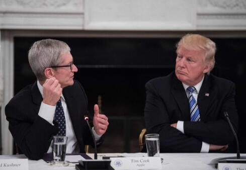 苹果坐不住了?特朗普与苹果执行长库克讨论贸易问题