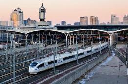 10月1日全国铁路发送旅客1625万人次 创铁路单日旅客发送量新高